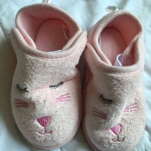 Other - EUC soft and adorable kitten slippers!